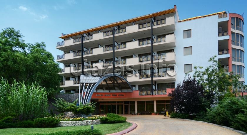 hotel berlin green park aranyhomok golden sands bulg ria nyaral s. Black Bedroom Furniture Sets. Home Design Ideas